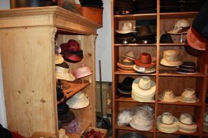 mens straw and Panama hats